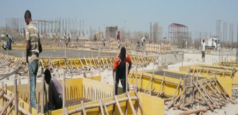 Work at break neck speed at Tana Beles (Courtesy of Ethiopian Sugar Corporation)