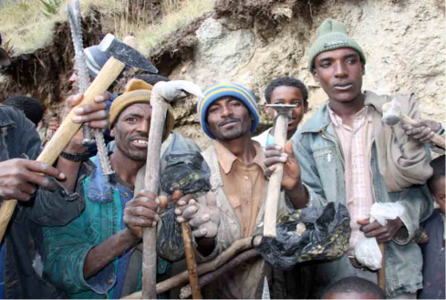 Opal miners at Tsehay Meswcha, Wollo with their tools (Courtesy of Opilanda)