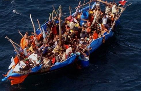 Ethiopians in a sea unworthy boat on the Red Sea (Courtesy: EMF)