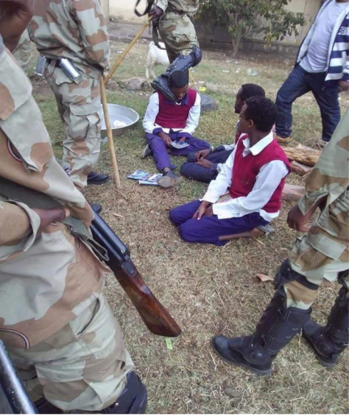 Harassing peacefully protesting students, Jan 2016 in Oromia region (Credit: Private)