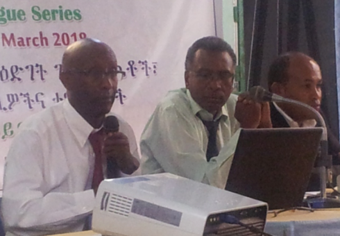 Prof. Alemayehu Geda (left) of Addis Ababa University and London University, presenting his paper on Foreign Direct Investment (FDI) to Ethiopia in Addis Ababa. PHOTO | ANDUALEM SISAY