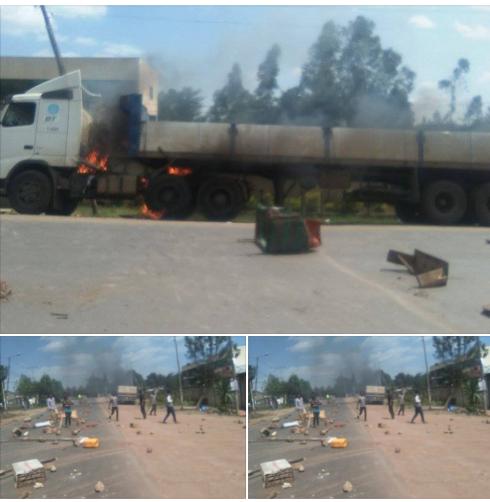 Oromo Protests: Truck burning nearby Addis Abeba (Credit:https://www.facebook.com/Jawarmd/posts/10102578050163603)